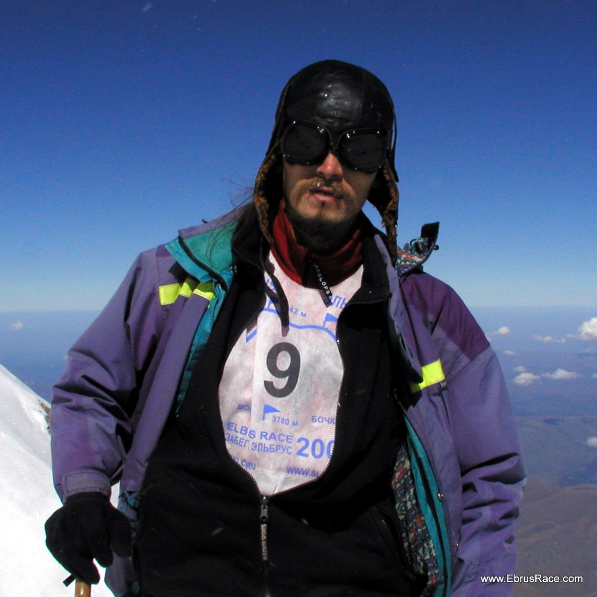 Yf ajnj - Михаил Осипов (Брэд) - первый победитель, первого возобновленного Забега на Эльбрус. 2005 год